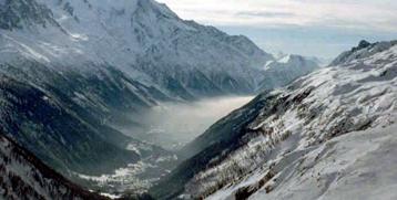 Vallée alpine polluée