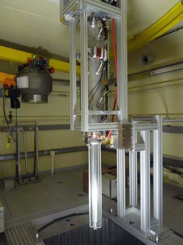 La inserción de la línea vertical del acelerador Genepi-3C en el núcleo del reactor CNRS GUINEVERE
